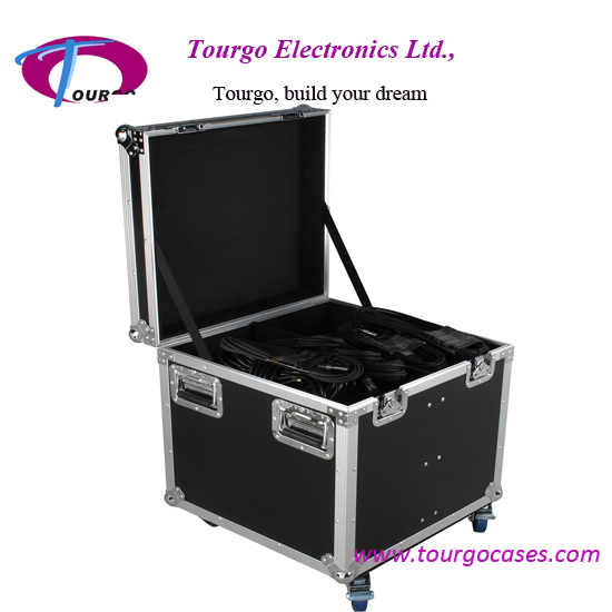 Utility Trunk Cases – 22 x 22 x 22inch with Caster Board